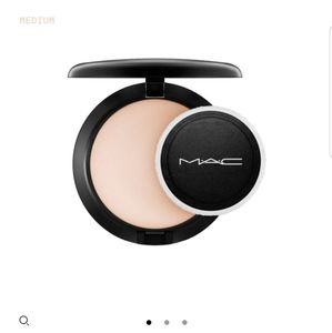 FREE - MAC blot powder